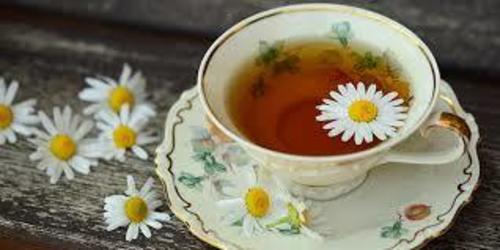 té de manzanilla contra los gases
