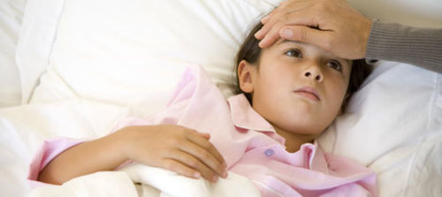 ¿Cuáles son los síntomas de la meningitis en niños?