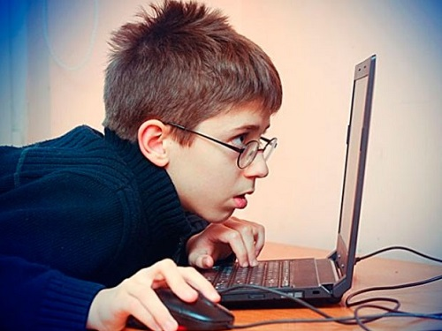 Síntomas de miopía en los niños