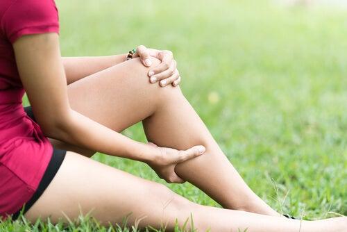 calambres en las piernas sintomas